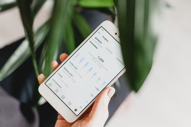 analyser les statistiques des posts de ses réseaux sociaux avec un téléphone
